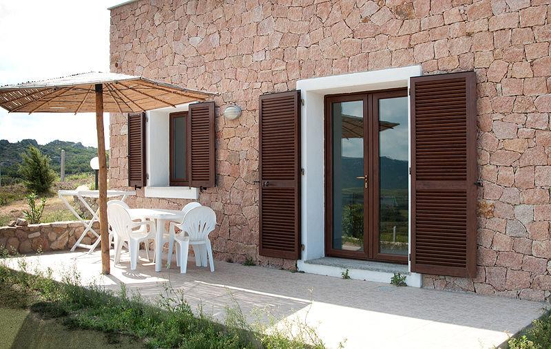 Vista esterna della casa vacanze Affitto Appartamento 72052 Trinità d'Agultu e Vignola