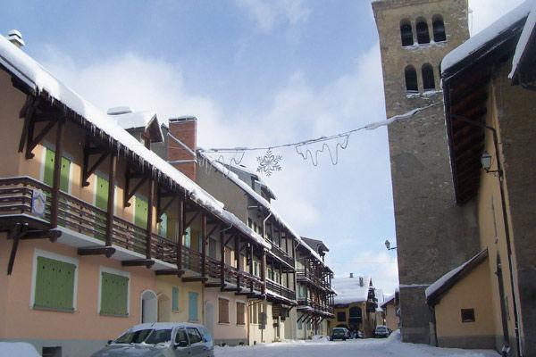 Vista esterna della casa vacanze Affitto Casa 16964 Monginevro