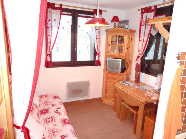 Salotto Affitto Monolocale 27715 Les Carroz d'Araches
