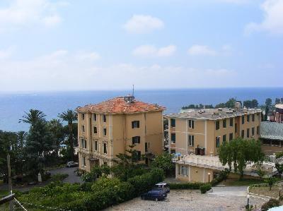 Vista esterna della casa vacanze Affitto Appartamento 39338 Sanremo