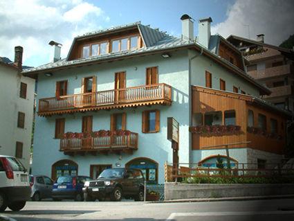 Vista esterna della casa vacanze Affitto Appartamento 39453 Selva di Cadore