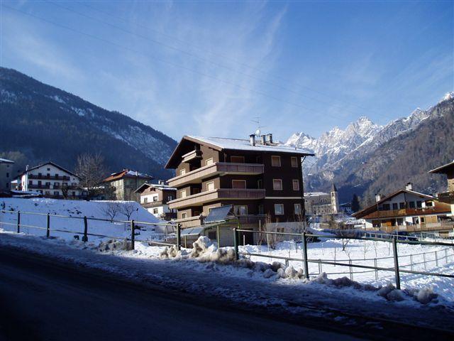 Vista esterna della casa vacanze Affitto Appartamento 40563 Cortina d'Ampezzo
