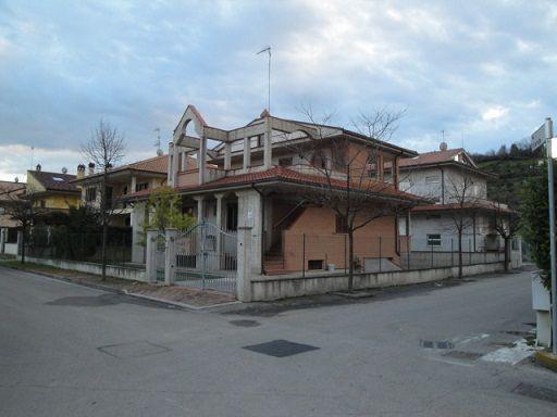 Affitto Villa  51477 Pineto