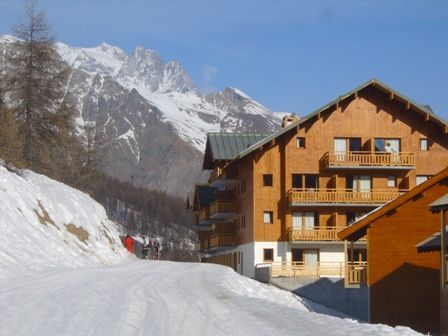 Vista esterna della casa vacanze Affitto Appartamento 56195 Puy Saint Vincent