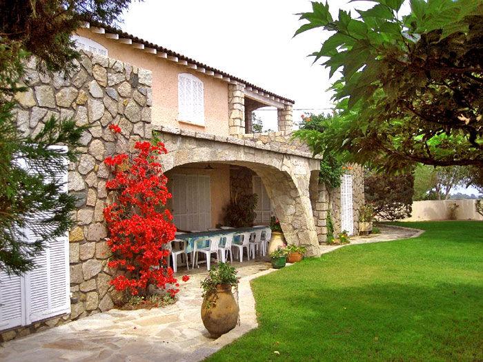 Vista esterna della casa vacanze Affitto Villa  59191 Sainte Lucie de Porto Vecchio