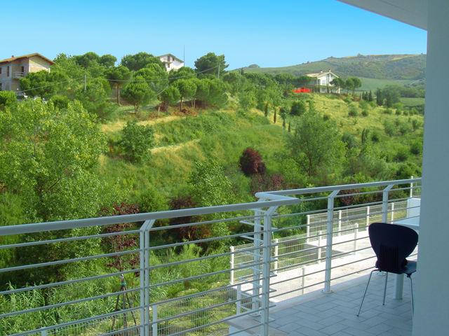 Vista dal terrazzo Affitto Appartamento 75650 Pineto