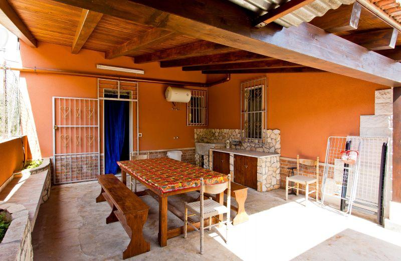 Vista esterna della casa vacanze Affitto Villa  103957 Avola