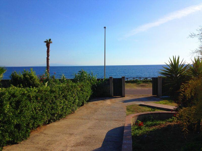 Vista dalla casa vacanze Affitto Villa  113969 Joppolo