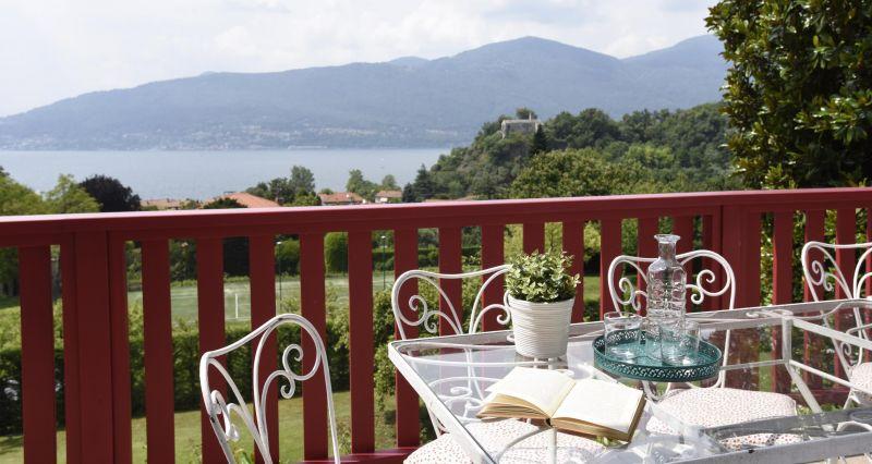 Vista dal balcone Affitto Villa  118456 Castelveccana
