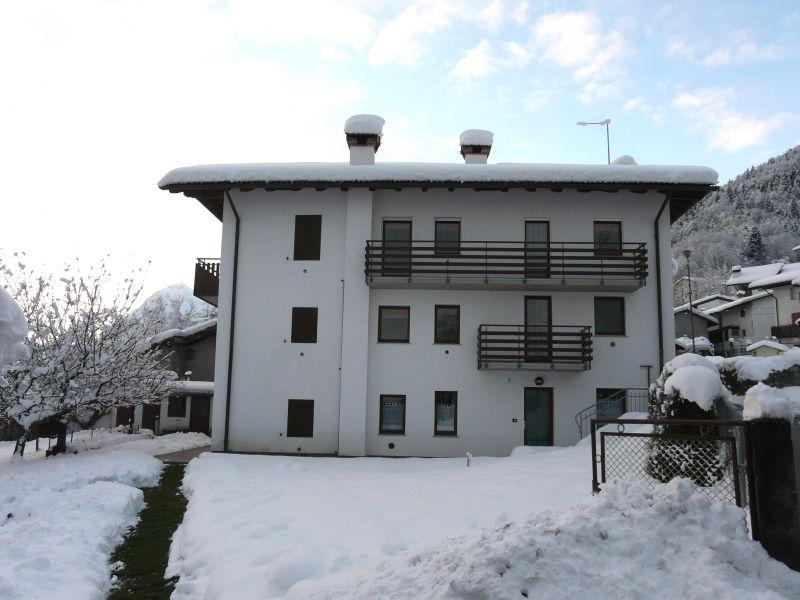 Vista esterna della casa vacanze Affitto Casa 65291 Forni di Sopra