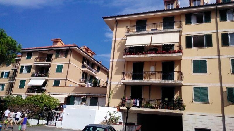 Vista esterna della casa vacanze Affitto Appartamento 99692 Diano Marina
