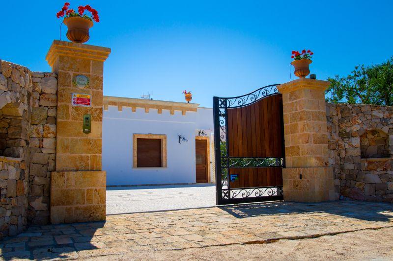 Entrata Affitto Villa  109764 Santa Maria di Leuca
