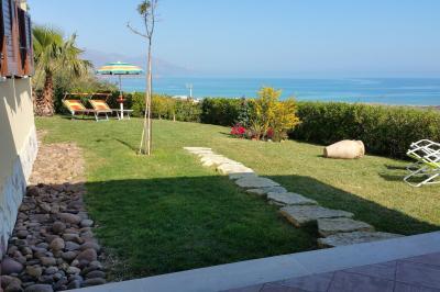 Vista esterna della casa vacanze Affitto Villa  76275 Castellammare del Golfo