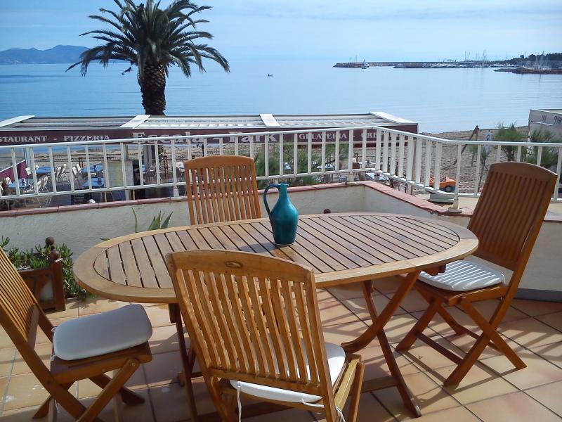 Vista dal terrazzo Affitto Appartamento 79975 L'escala