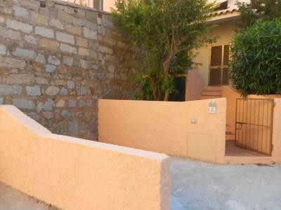 Vista esterna della casa vacanze Affitto Monolocale 89150 La Maddalena