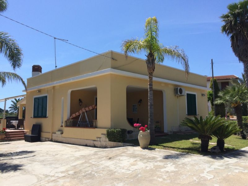 Entrata Affitto Villa  93429 Avola
