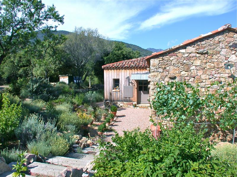 Vista esterna della casa vacanze Affitto Casa 101199 Propriano