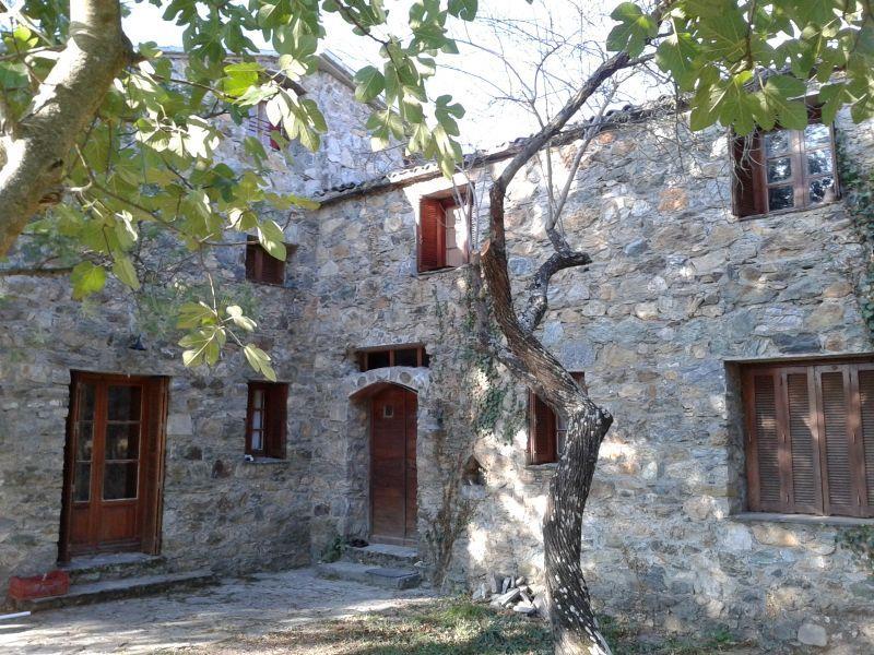 Vista esterna della casa vacanze Affitto Appartamento 106134 Corte