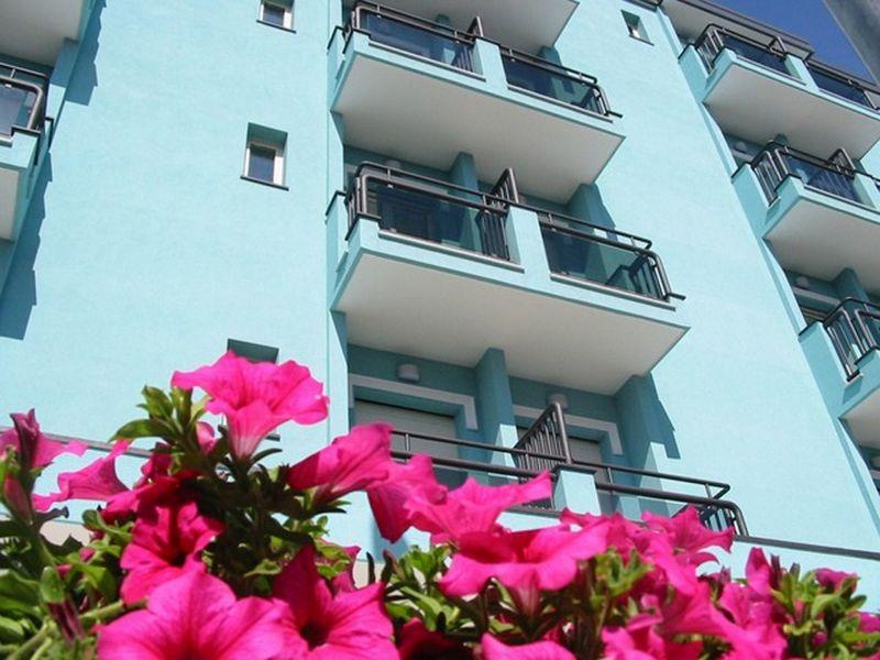 Vista esterna della casa vacanze Affitto Appartamento 107913 Rimini