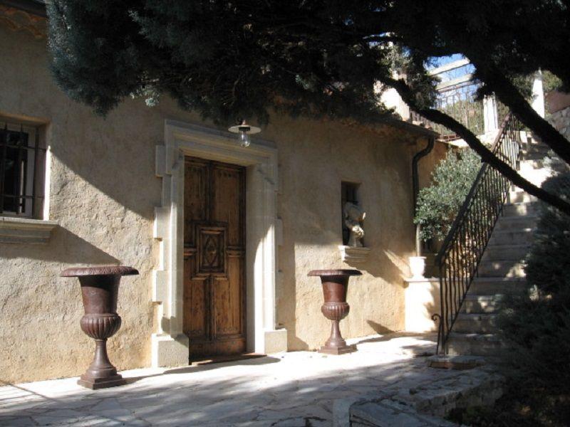 Vista esterna della casa vacanze Affitto Agriturismo 111014 Gréoux Les Bains