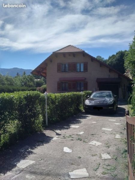 Vista esterna della casa vacanze Affitto Villa  115667 Gap