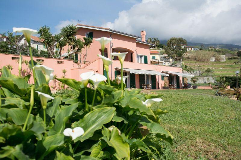 Vista esterna della casa vacanze Affitto Villa  117828 Sanremo