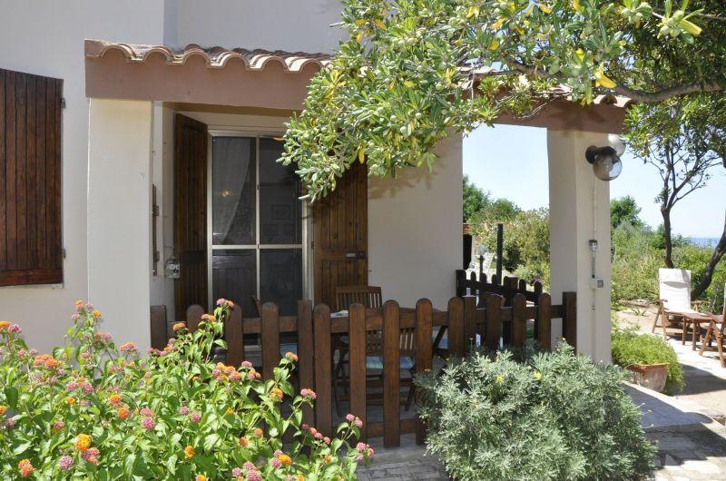 Vista esterna della casa vacanze Affitto Appartamento 76146 Castelsardo