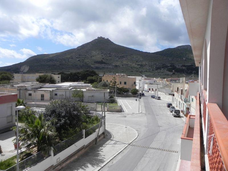 Vista nelle vicinanze Affitto Appartamento 78790 Favignana