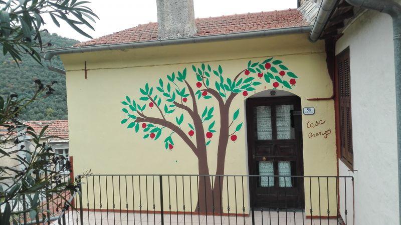 Vista esterna della casa vacanze Affitto Agriturismo 80918 Dolcedo
