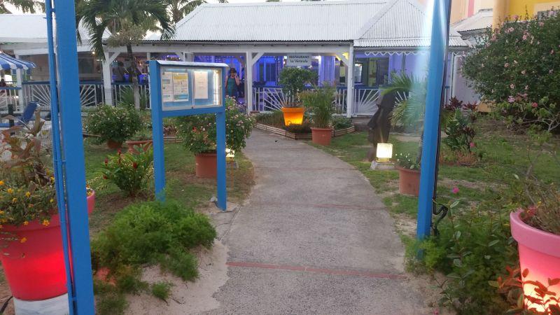 Vista nelle vicinanze Affitto Appartamento 86727 Gosier (Guadalupa)