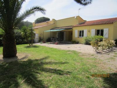 Vista esterna della casa vacanze Affitto Casa 96489 Ramatuelle