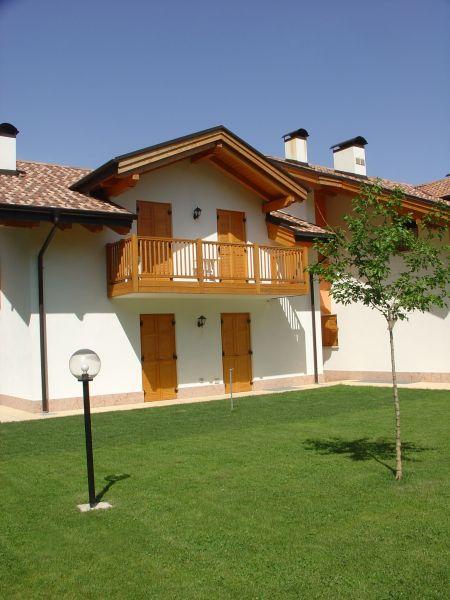 Vista esterna della casa vacanze Affitto Appartamento 104639 Andalo - Fai della Paganella