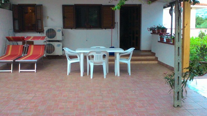Vista esterna della casa vacanze Affitto Appartamento 107304 San Nicolò Ricadi