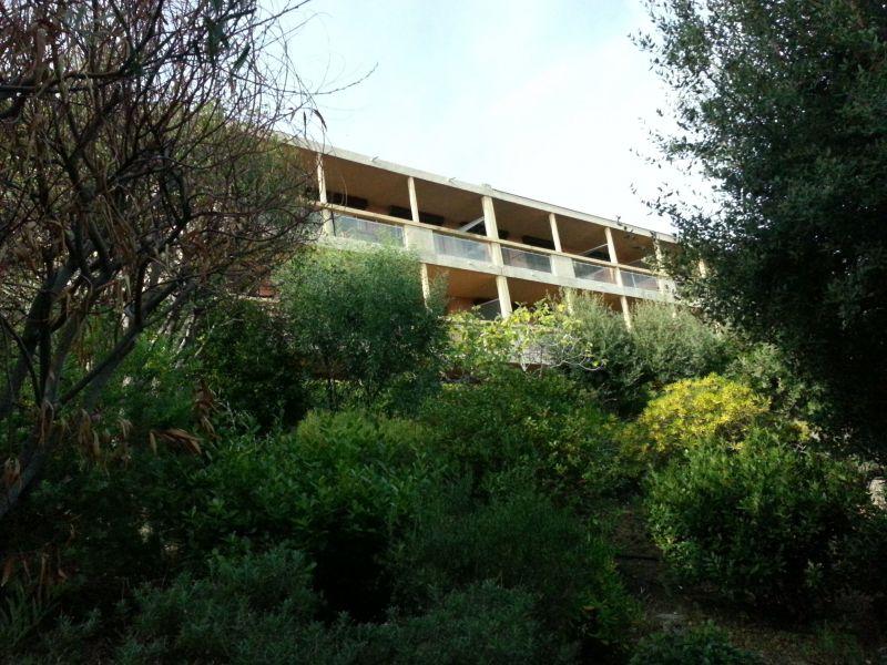 Vista esterna della casa vacanze Affitto Appartamento 107760 Le Lavandou