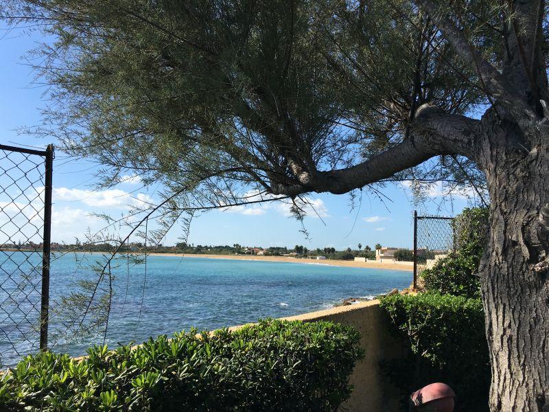Vista dalla casa vacanze Affitto Villa  108590 Avola
