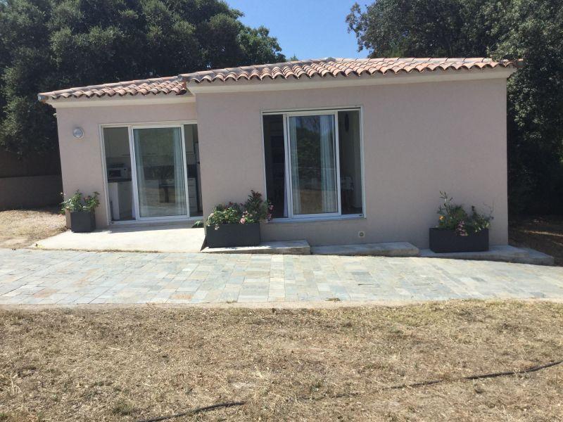 Vista esterna della casa vacanze Affitto Villa  111491 Calvi