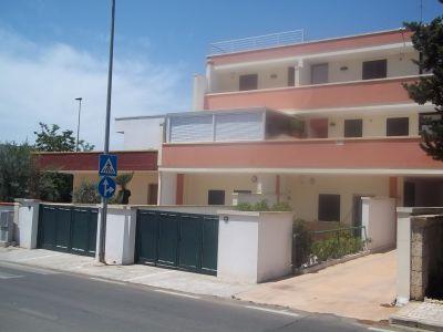 Vista esterna della casa vacanze Affitto Appartamento 88464 Porto Cesareo