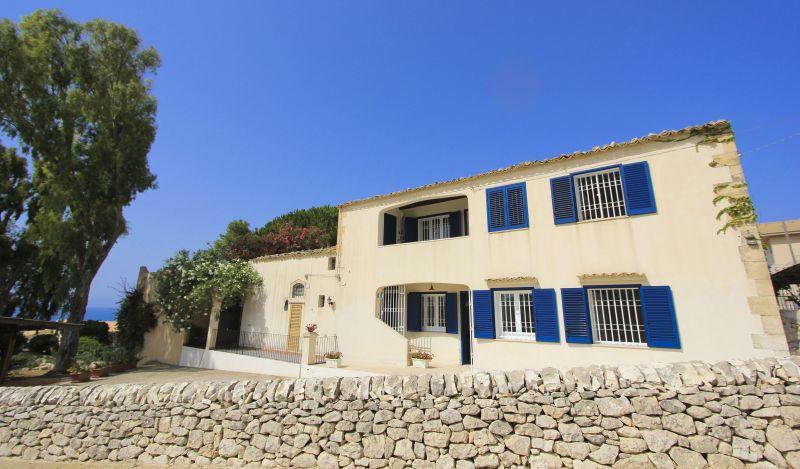 Vista esterna della casa vacanze Affitto Appartamento 92332 Marina di Ragusa