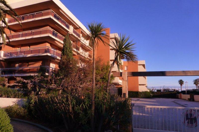 Vista esterna della casa vacanze Affitto Appartamento 94876 Le Lavandou
