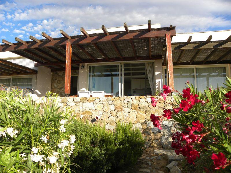 Vista esterna della casa vacanze Affitto Appartamento 107706 Lumio