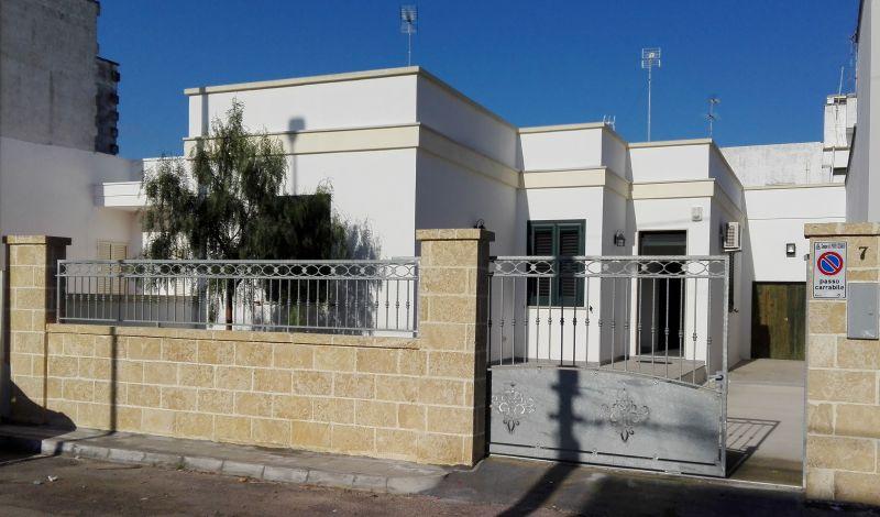Vista esterna della casa vacanze Affitto Appartamento 113422 Porto Cesareo
