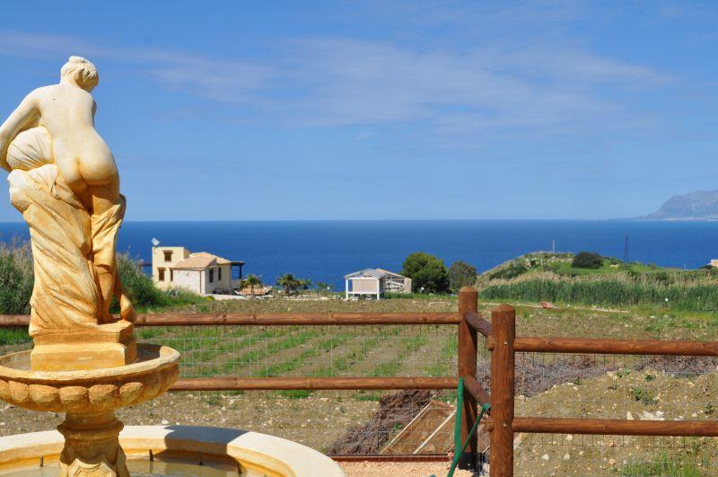 Vista dal balcone Affitto Villa  66027 Scopello
