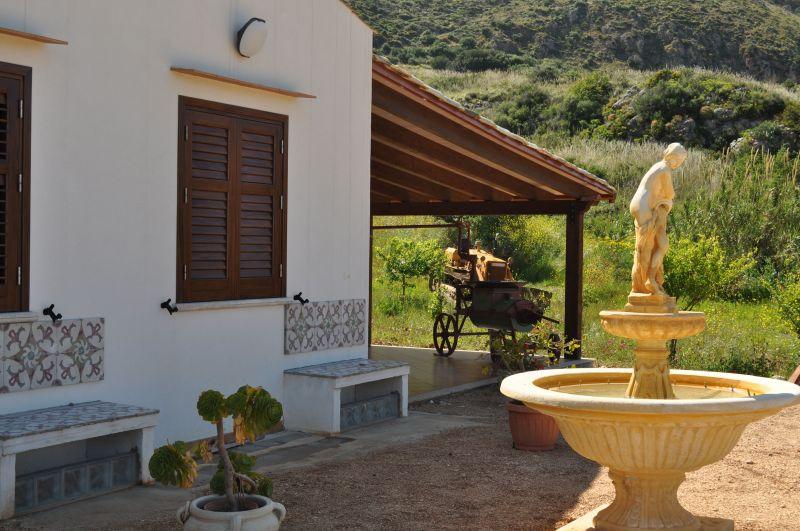 Veranda Affitto Villa  66027 Scopello