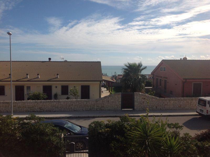 Vista dalla casa vacanze Affitto Villa  81007 Marina di Ragusa