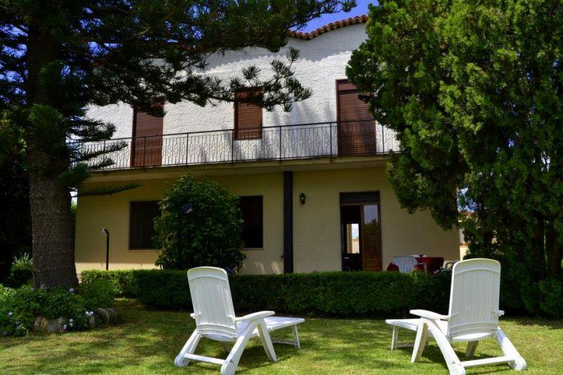 Vista esterna della casa vacanze Affitto Villa  16606 Noto