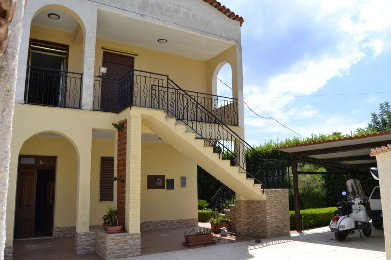 Entrata Affitto Villa  16606 Noto