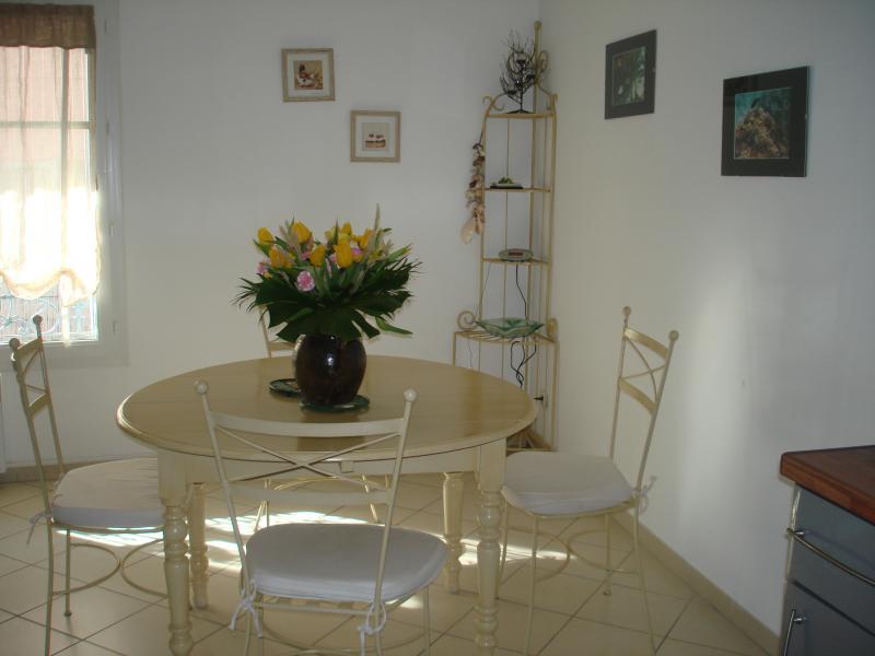 Sala da pranzo Affitto Appartamento 18103 Sanary