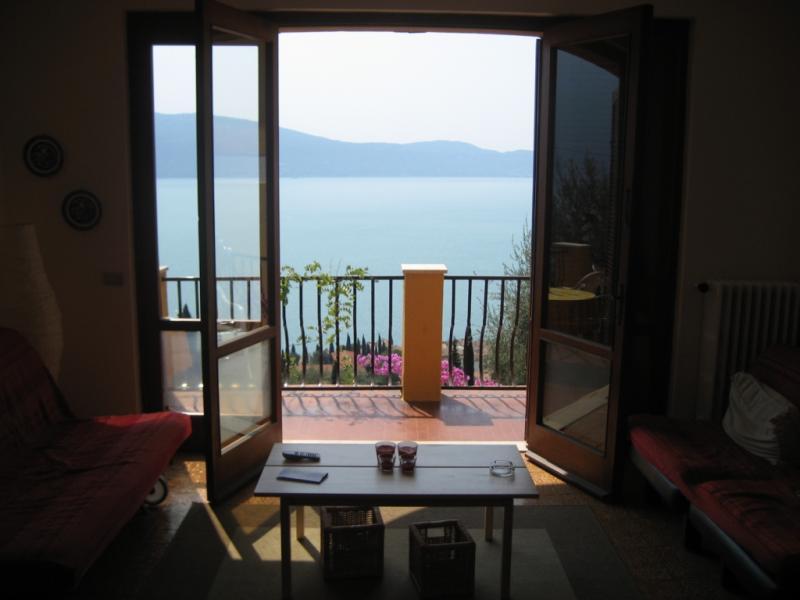 Vista dalla casa vacanze Affitto Appartamento 18480 Gargnano