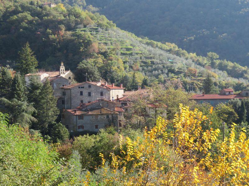 Vista esterna della casa vacanze Affitto Appartamento 18953 Loro Ciuffenna