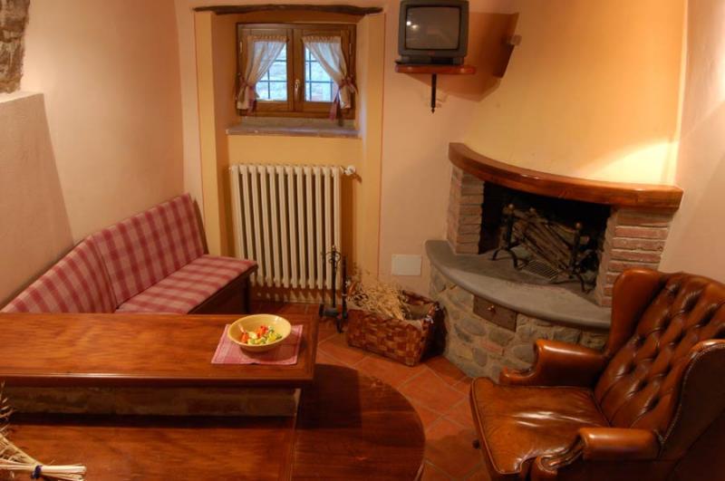Sala da pranzo Affitto Appartamento 18953 Loro Ciuffenna